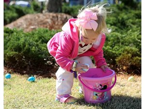 Lanier Village Egg hunt